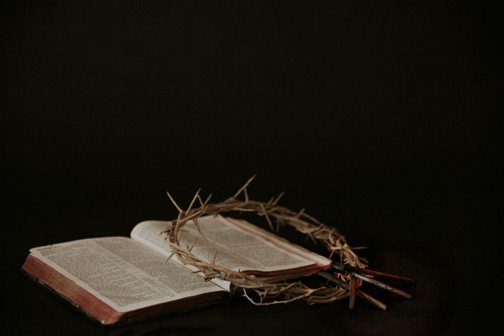 Story of easter in the bible with a crown of thorns