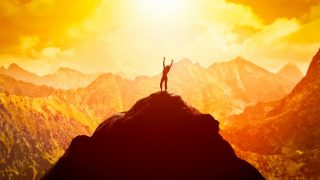 27 Powerful Bible Verses about Courage