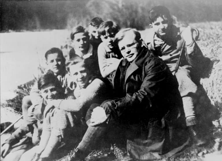 27 Powerful Dietrich Bonhoeffer Quotes That Will Inspire You