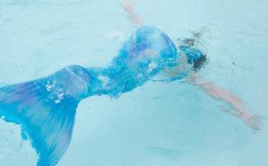 dreaming about mermaids - Blue mermaid