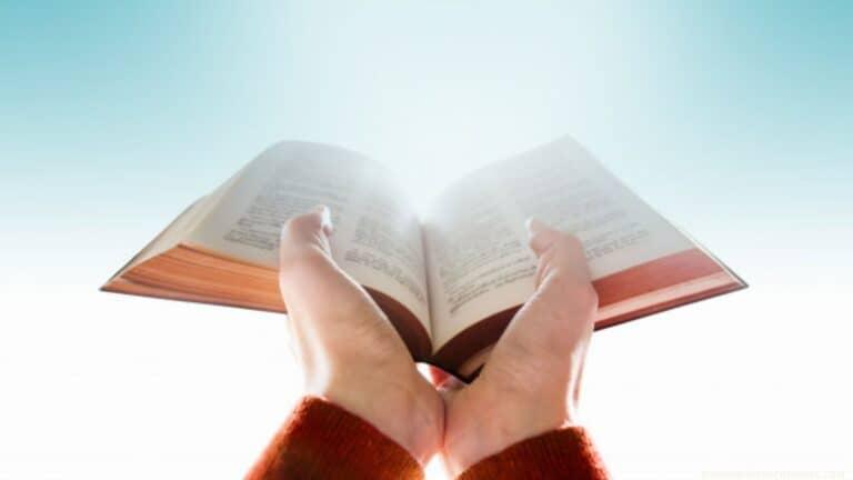 5 Powerful Apostolic Prayers You Can Pray Daily