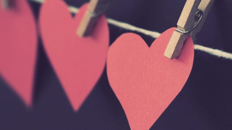 37 Beautiful Valentine's Day Bible Verses To Share